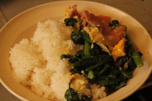 千葉県産菜の花とほうれん草の卵とじ飯