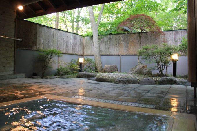 栃木県にキャンプラビットの貸し切る風呂。