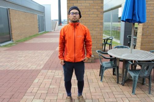 ヤマケン170cm,中肉中背:ストームクルーザーMサイズ着用。袖丈・裾丈共にちょうどカバーされる程度。