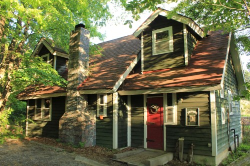 サンタクロースの家。名前の通り、サンタクロースの家をイメージした家です。16時まで見学可能です。