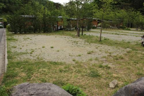 小砂利サイト。水はけもよく、広い。