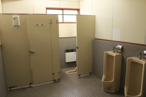 トイレ。設備は古いですが、綺麗に清掃されています。