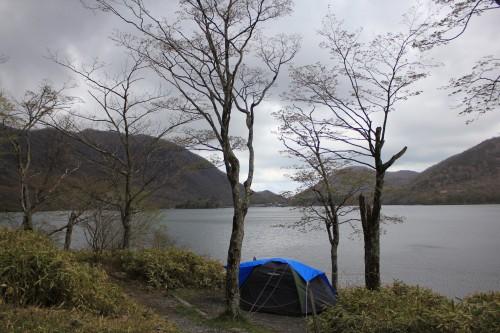 湖畔のサイト