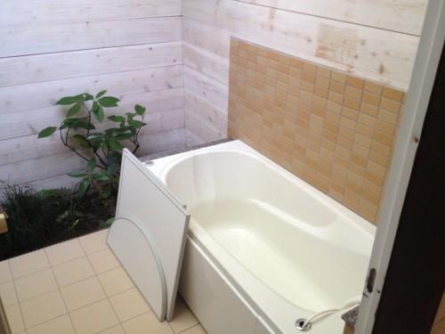 貸し切り風呂はマネージャーお手製のオシャレな内装。