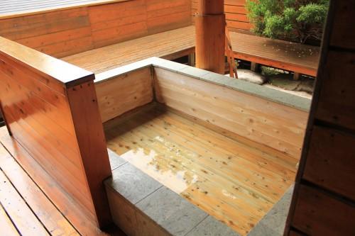 メープルキャンプ場の無料露天風呂