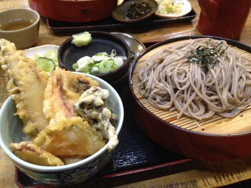 ざるそば・半どんセット:950円(2014/6/15現在)