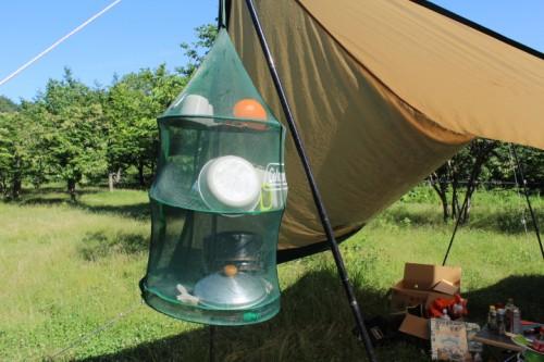 【レビュー】キャンプで食器を乾かすなら、コールマンのハンギングドライネット!コレはマジでコスパいいし、便利です。