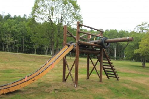 リンリン公園キャンプ場の子供が遊べる遊具の写真