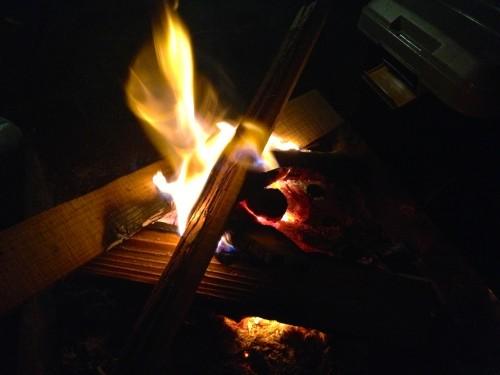 焚き火したいんだけど、薪ってどんだけ買えばいいの?〜初心者のためのキャンプ入門〜