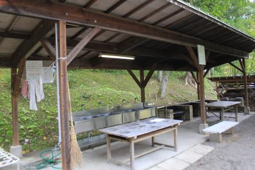 とくら沢ふれあい広場キャンプ場の炊事場
