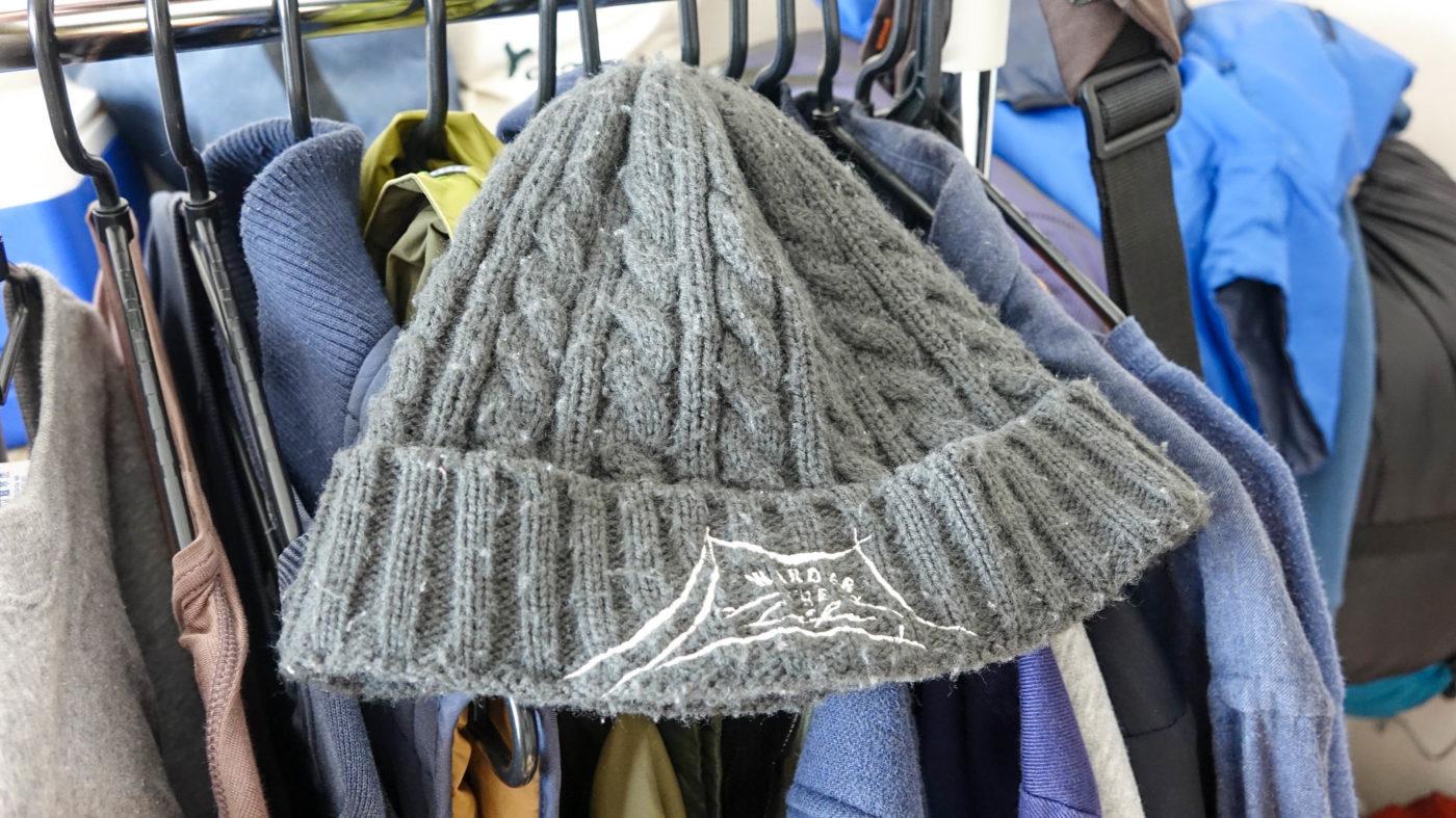 冬キャンプにはニット帽が欠かせない