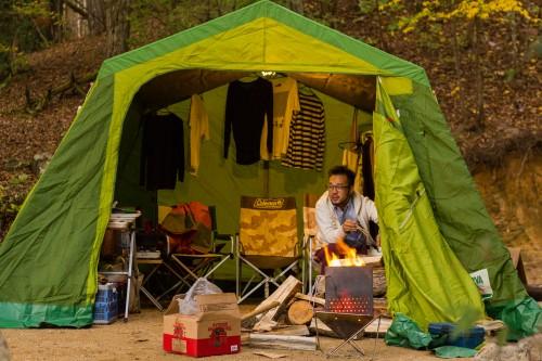 冬の快適なソロキャンプはシェルターに薪ストーブや石油ストーブをいれること?