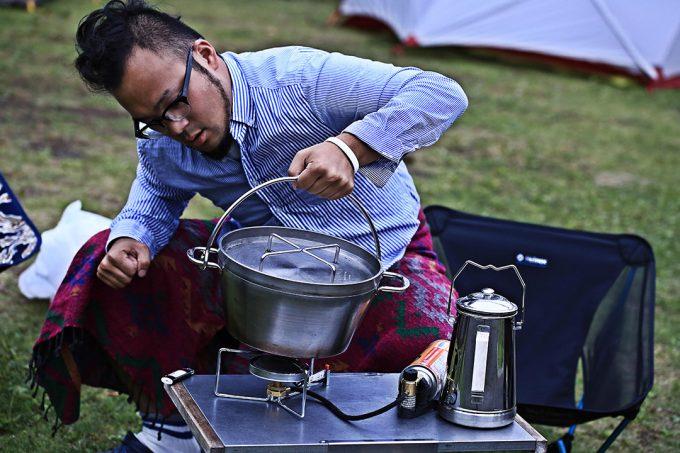 ステンレスダッチオーブンなら普通に洗えて気を使わなくていい