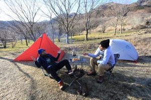 お盆やGW、正月などの繁忙期でもなるべく静かにキャンプがしたいよ!そんな人は公営の無名キャンプ場に行きましょう