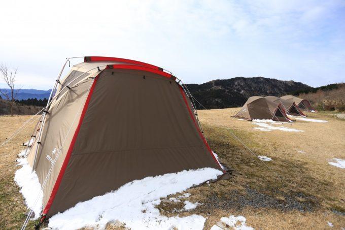 雪とテント