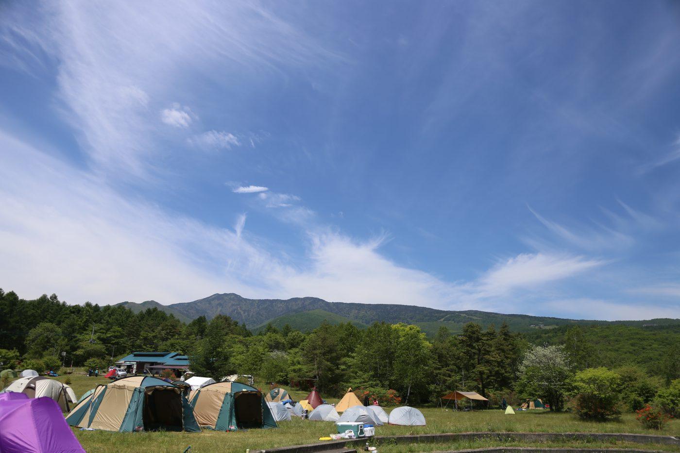 高地のキャンプ場は平地よりも気温が下がるため、寝袋選びはしっかりと。