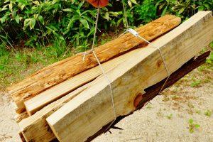 余ったロープと自在で簡単に薪を運ぶ方法