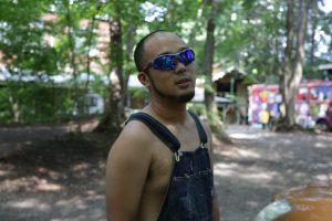 【キャンプの服装】半袖短パンが良いけど・・・夏場のキャンプでは薄手の長袖着よう!