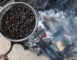 【レビューあり】ユニフレームコーヒーロースターで生豆からコーヒーを焙煎してみました。