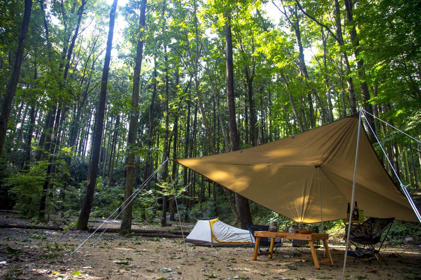 kokazeのウッドテーブルはキャンプにぴったり