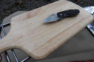 【レビュー】スパイダルコのナイフは無駄に格好良くて、ロマンを求めるなら買うべき。