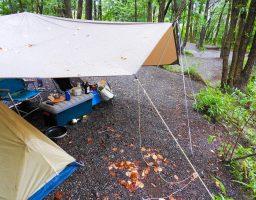 【キャンプの雨対策】雨が降ったら、ロープの張り直しを気付いた時にやったほうが良いよ!