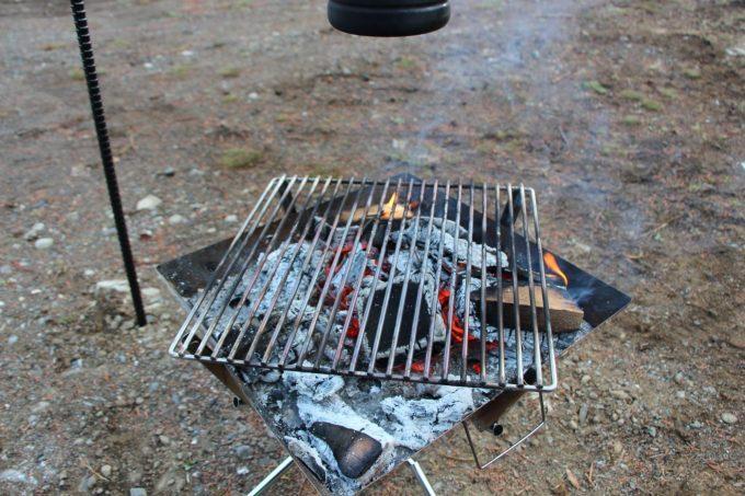 BBQグリルで魚を焼くと匂いがこびりつきやすい