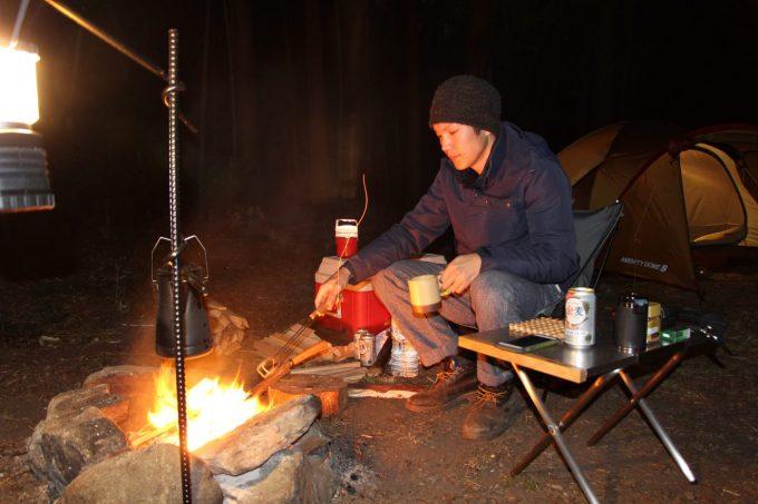 着込んでいれば冬キャンプをなんとか過ごせます。