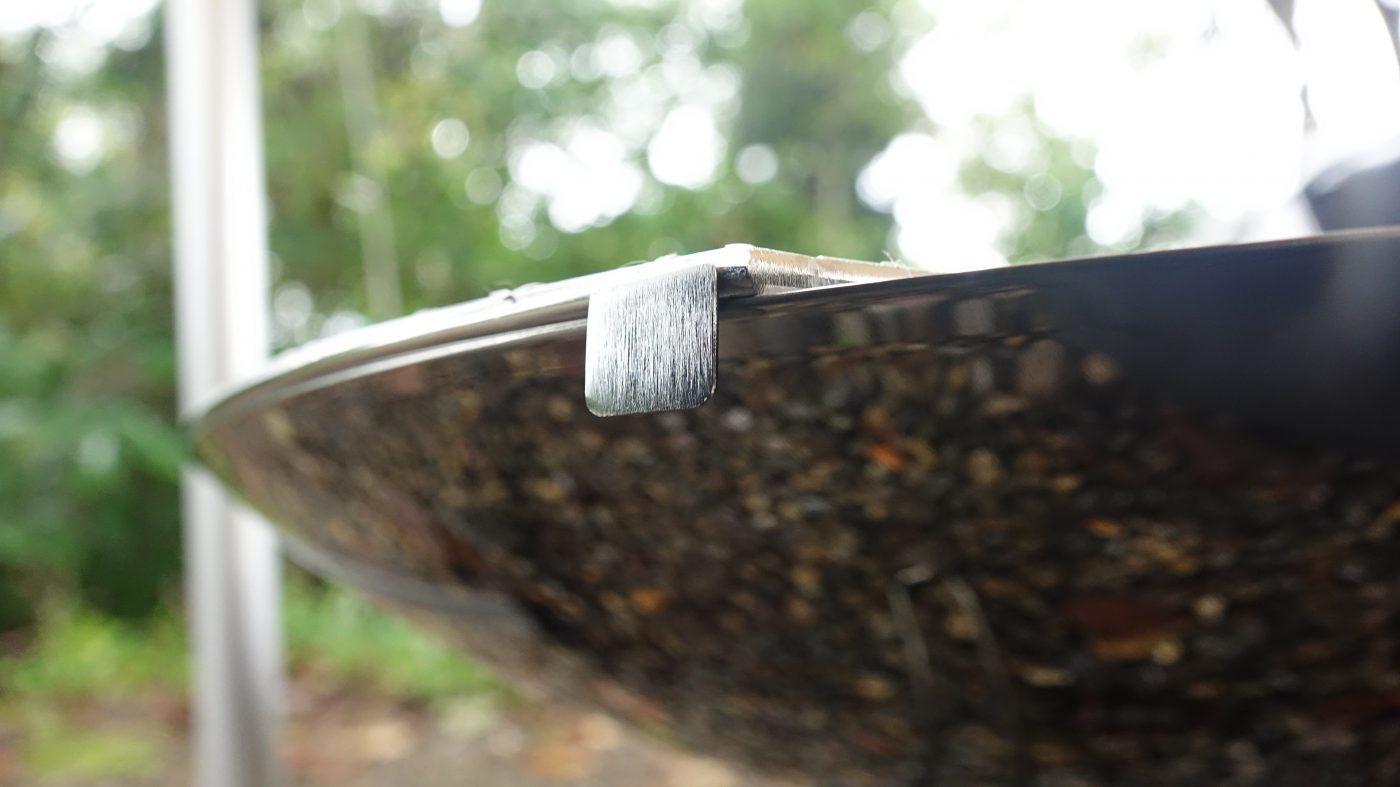 専用の網は横滑りしないような仕組みがついています。