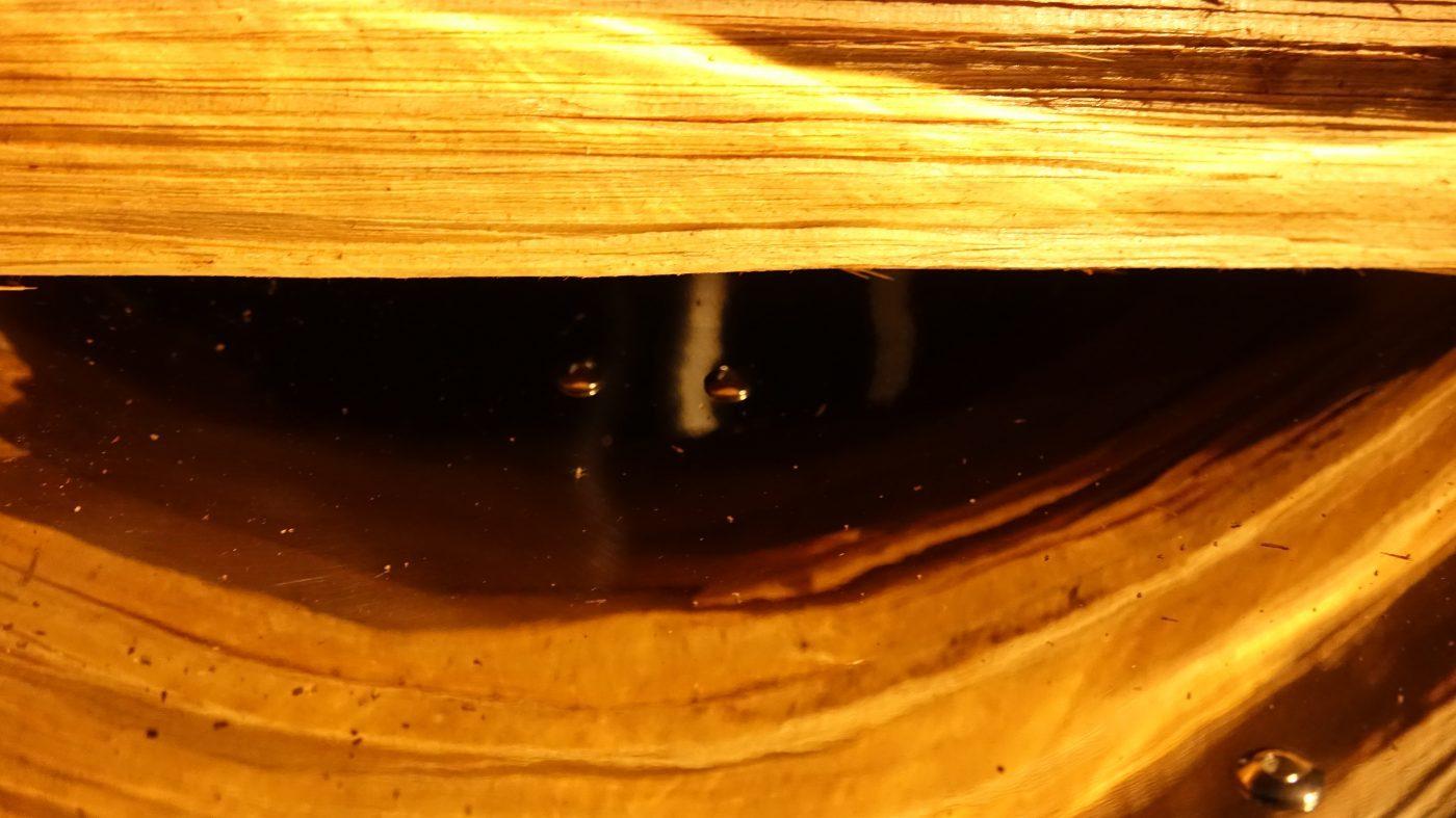30センチの薪を入れると下に空間が出来ます。これが燃焼の為に効果的なようです。