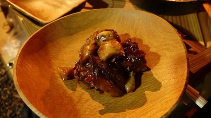 ダッチオーブン料理 豚軟骨のコーラ煮