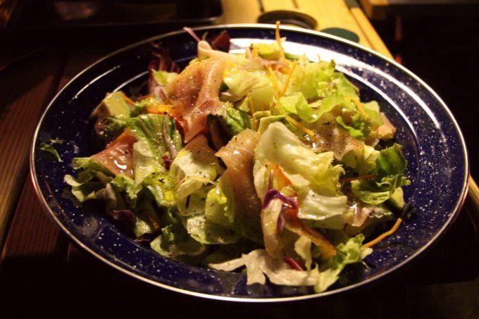 BBQにこそ、簡単に作れるサラダが重要です。