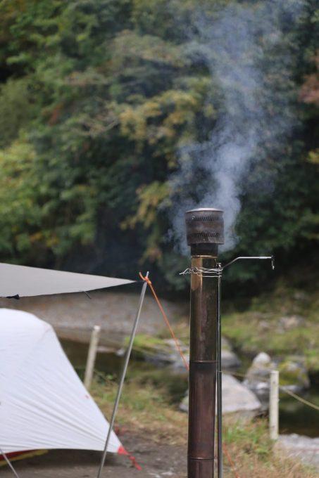 薪ストーブの煙突アップ
