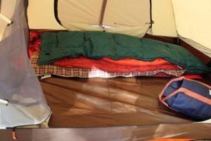 冬用の寝袋が買えなくて冬キャンプに行けない?それなら寝袋を二重にするといいですよ!