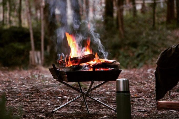 冬キャンプには焚き火を楽しんでほしい。