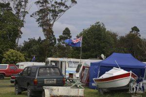 スイミングプールが併設してあるキャンプ場「Parakai Springs Camp ground」
