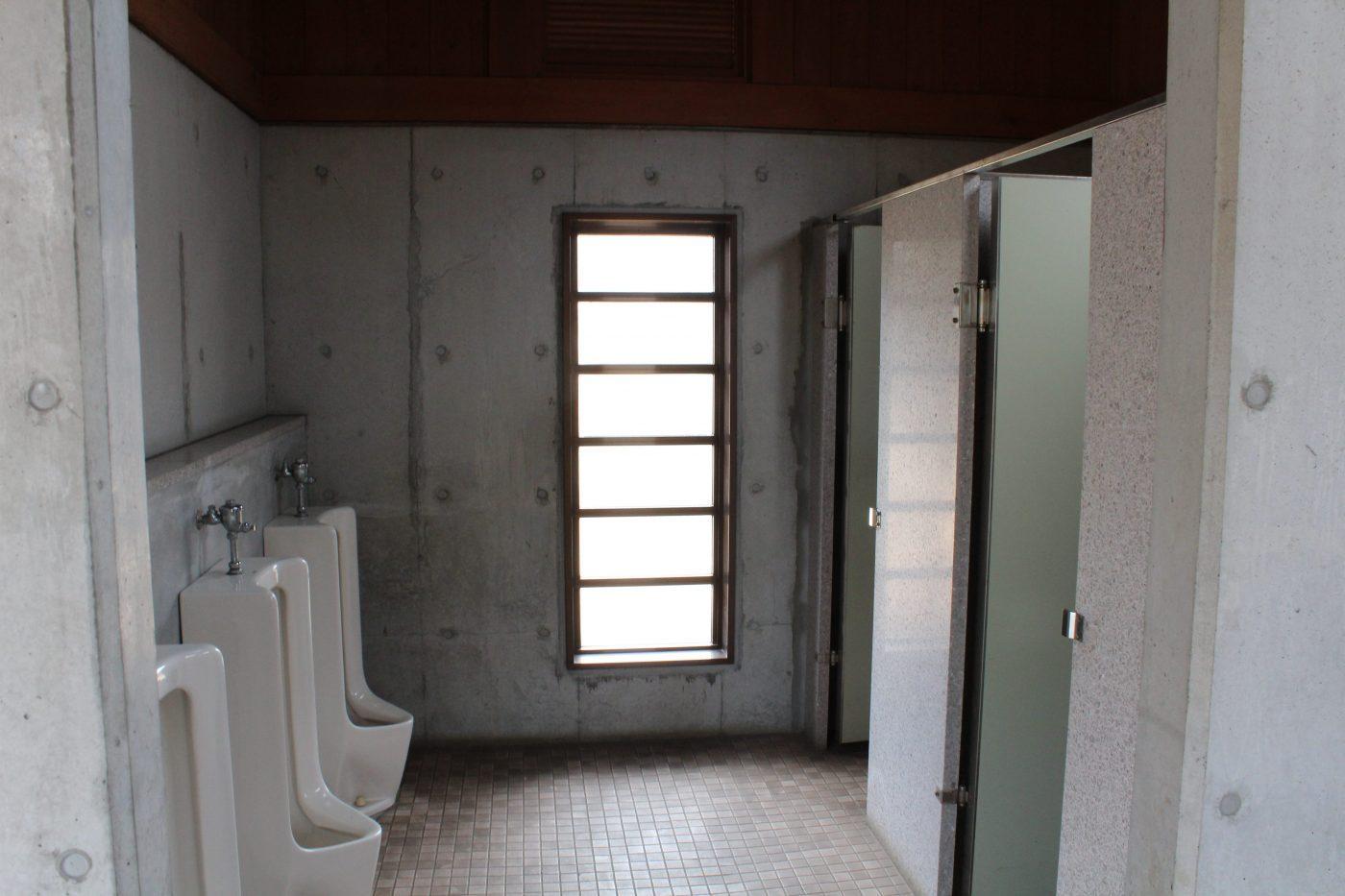 トイレ内部。かなりきれいです。