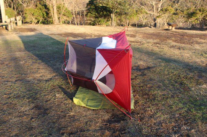 テントの底は陽に当てて乾燥させる