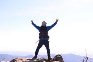 【山ウェア人柱】Amazonで売ってる3700円の格安登山用アウターは果たして使えるのか。