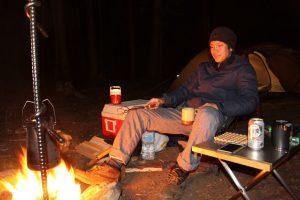 【ソロキャンプを始めたい人の】疑問点、必要な道具、楽しみ方、総まとめ