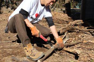 【レビュー】枝を切るとき何使ってる?神沢精工のサムライがいい感じだからオススメ!