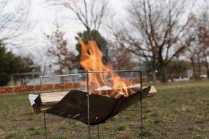 【レビュー】ピコグリル398は全てのソロキャンパーにオススメする軽量・コンパクトな焚き火台