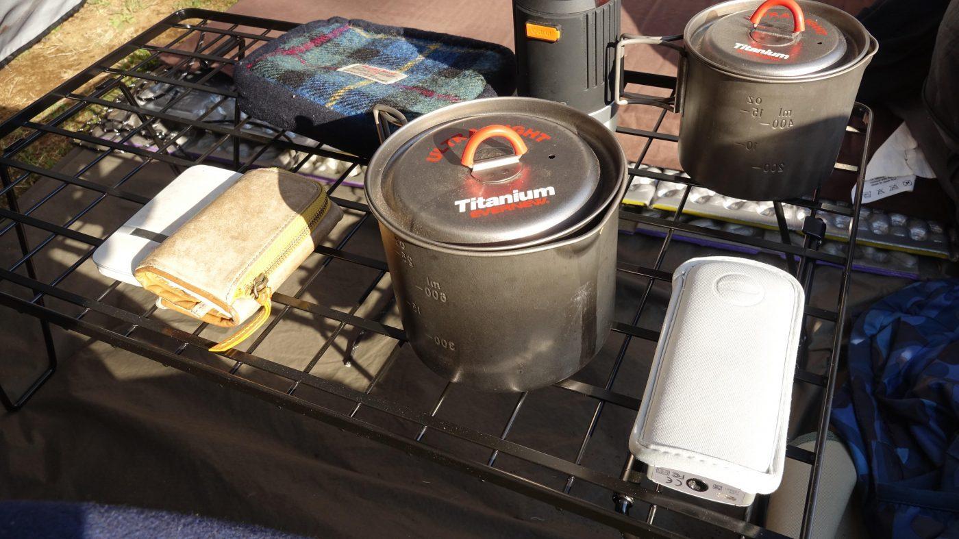フィールドラックは物置にもテーブルにもなる便利道具