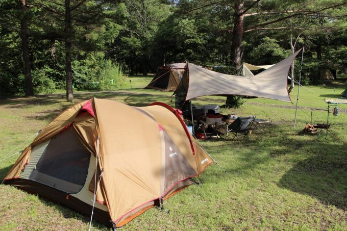 テントが飛ばされないよう張り綱はしっかり張るといい。