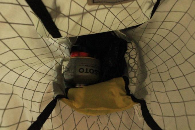 サドルバッグの中を覗くとこう。広い。(笑)