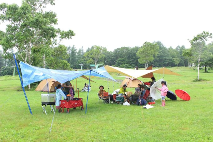 キャンプで長靴は雨の時でなく雨の後のぬかるんだ地面に効果を発揮します。