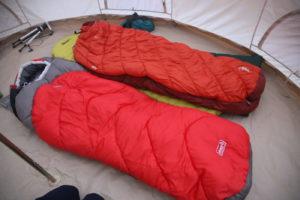 【冬用寝袋】モンベルバロウバッグ#0とコールマンタスマンキャンピングマミーを比較してみた