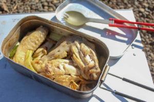 【キャンプ飯】トランギアメスティンを使って作る手羽先のアヒージョ