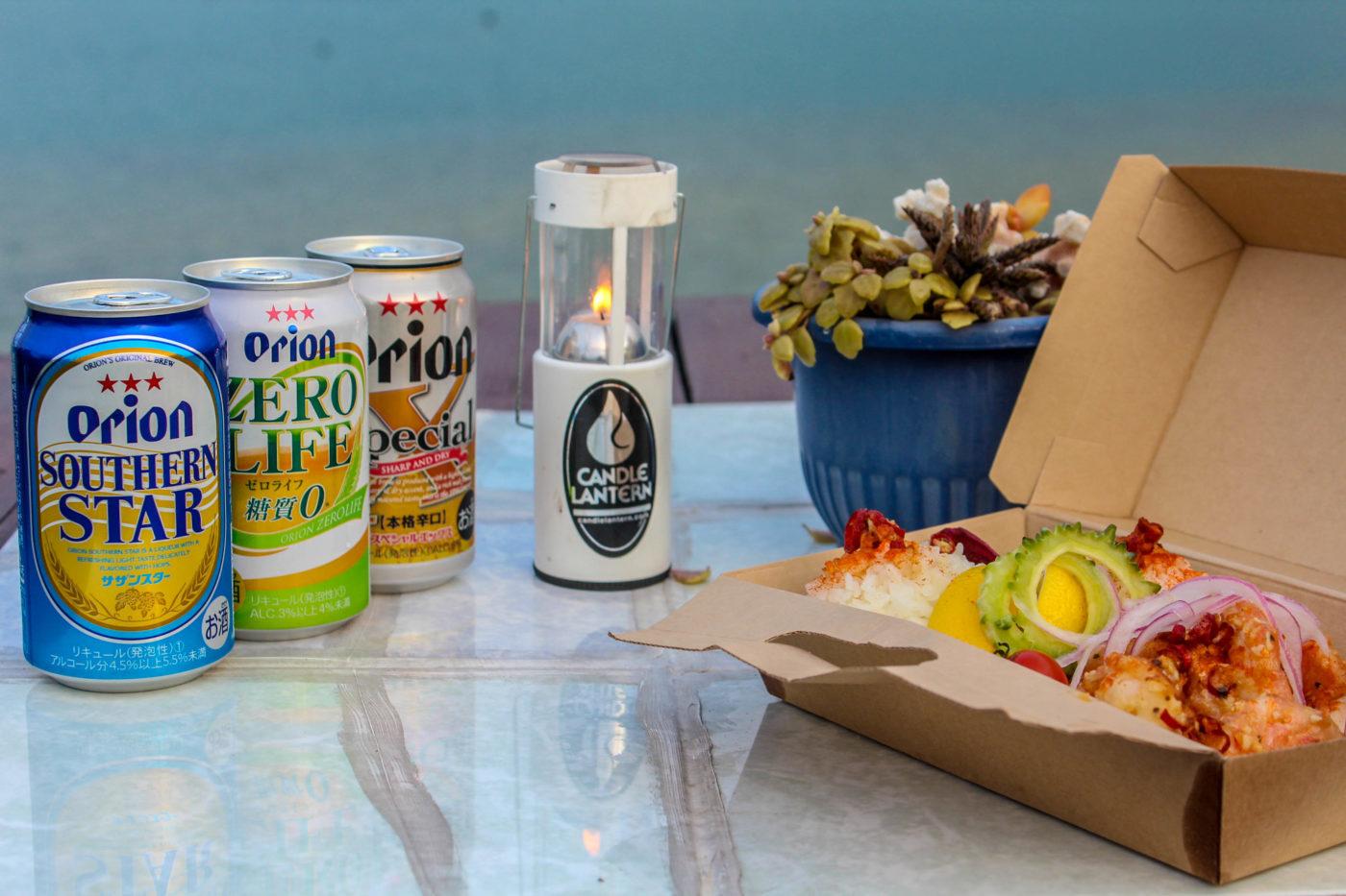 地元のスーパーでオリオンビールを買って、海を眺めながら古宇利島のガーリックシュリンプを食べる幸せ