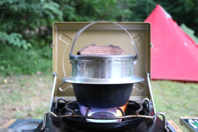 ユニフレーム のキャンプ羽釜で炊くお米は美味しい